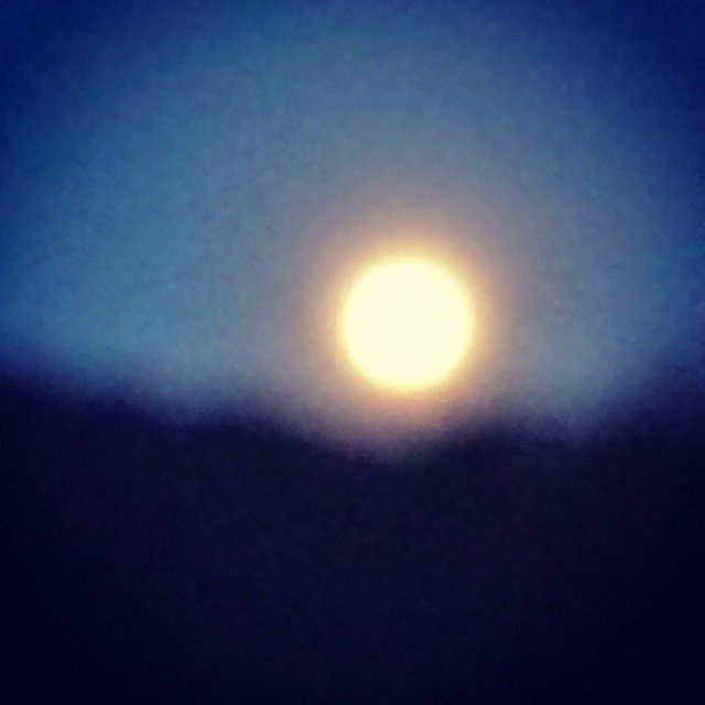 Noche mágica de luna llena